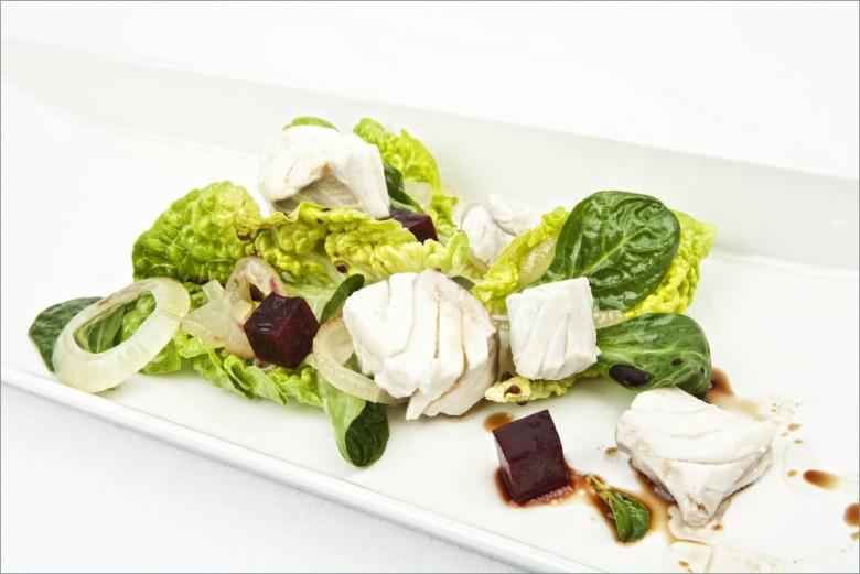 Салат с минтаем, свеклой и зеленью
