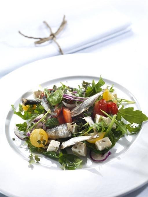 Весенний салат с сардинами