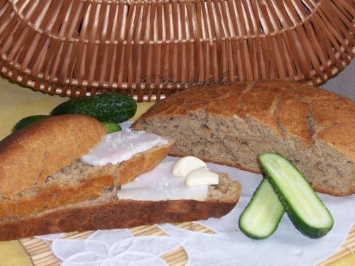 Житній хліб печений у казані