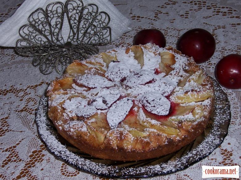 Яблучний пиріг на сухарях