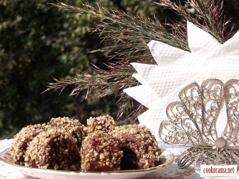Конфеты с яблочно-сливовой пастилы
