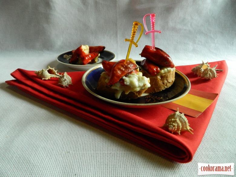 Перчики, фаршированные соленой треской и креветками  (Pimientos rellenos de bacalao y gambas)