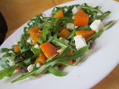Салат з гарбузом, бринзою та насінням