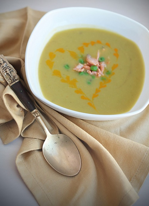 Крем-суп з броколі та риби