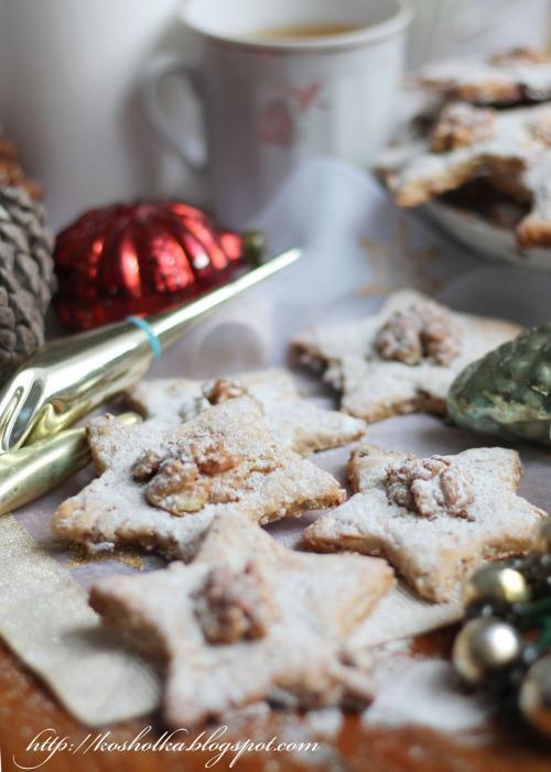 Новогоднее печенье с орехами и другими вкусняшками