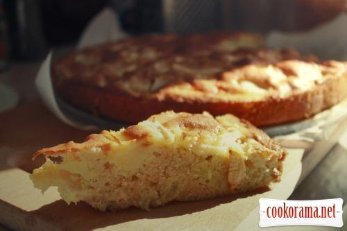 Яблучний пиріг з куркумою