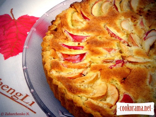 Ніжний яблучний пиріг