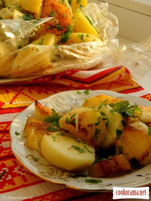 Запечена картопля з часничком