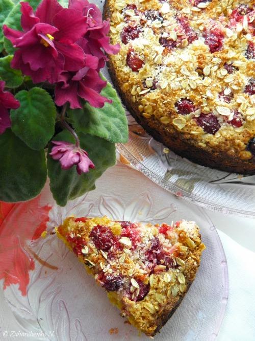 Вівсяний пиріг з вишнями