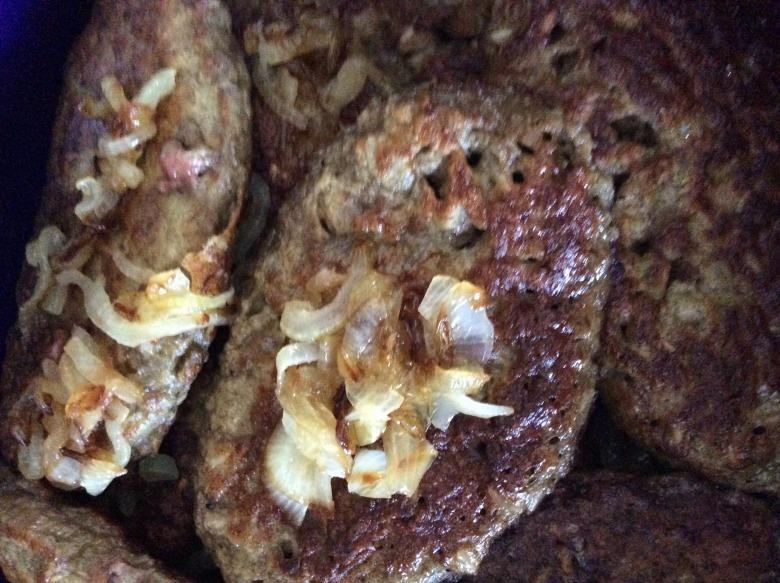 Котлети з яловичої печінки з рисом. (Із серії страви з дитинства)