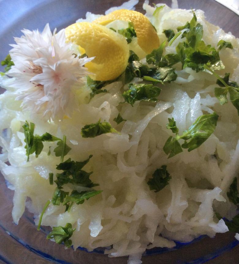 Салат із кольрабі