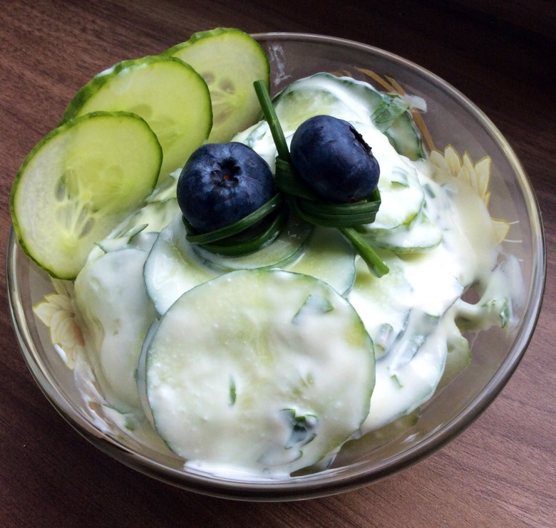 Освіжаючий салат із огірків