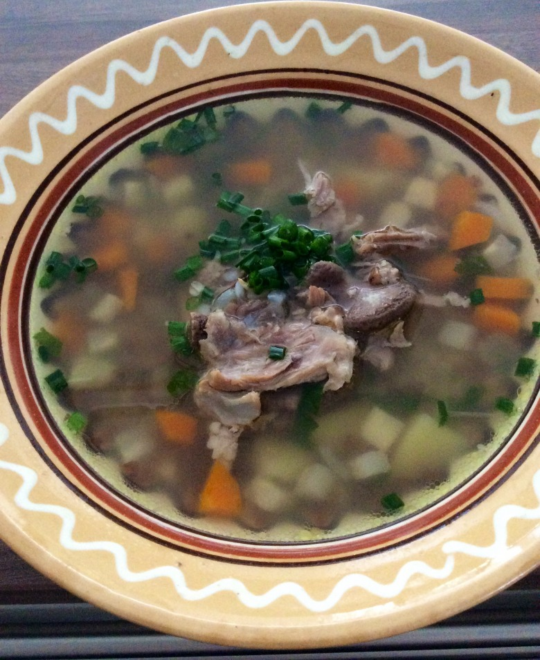 Гречаний суп з реберцями