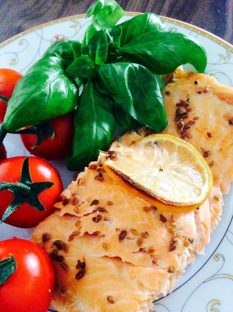 Семга, запеченная с лимоном и анисом