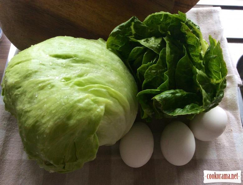 Хрумкий салат з грінками