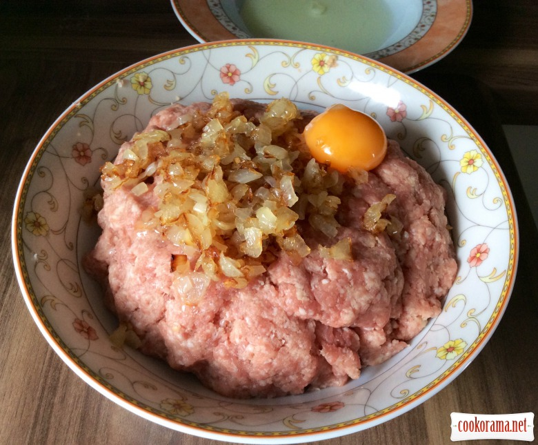 Meat balls with egg or «False Hare»
