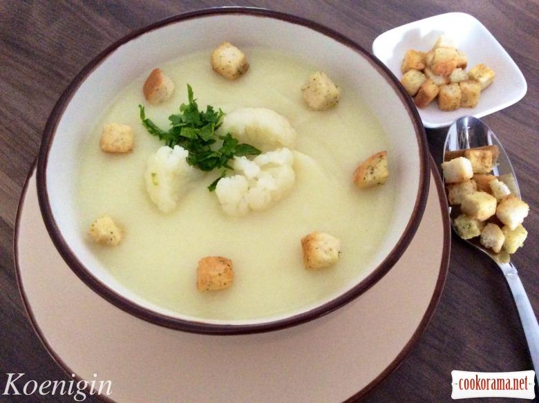 Суп-пюре із цвітної капусти з вершками