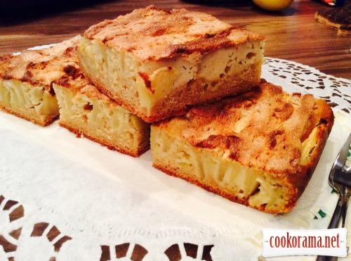 Яблучний пиріг на кефірі