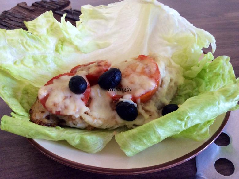 Риба, запечена з помідорами і сиром