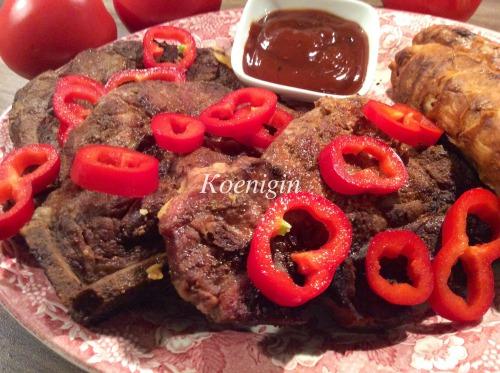 Стейки-гриль зі свинини в соєвому маринаді