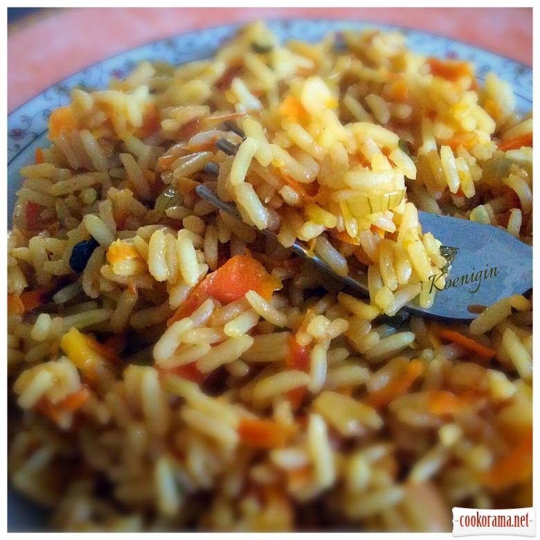 Пісний рис з цибулею, морквою і сушеним барбарисом