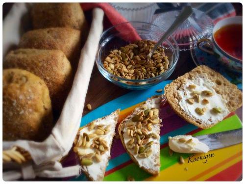 Бутерброды со сливочным сыром, семенами и орехами