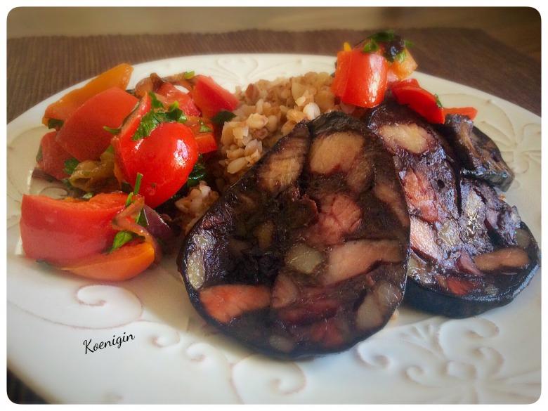 Кров'янка з овочами і гречкою