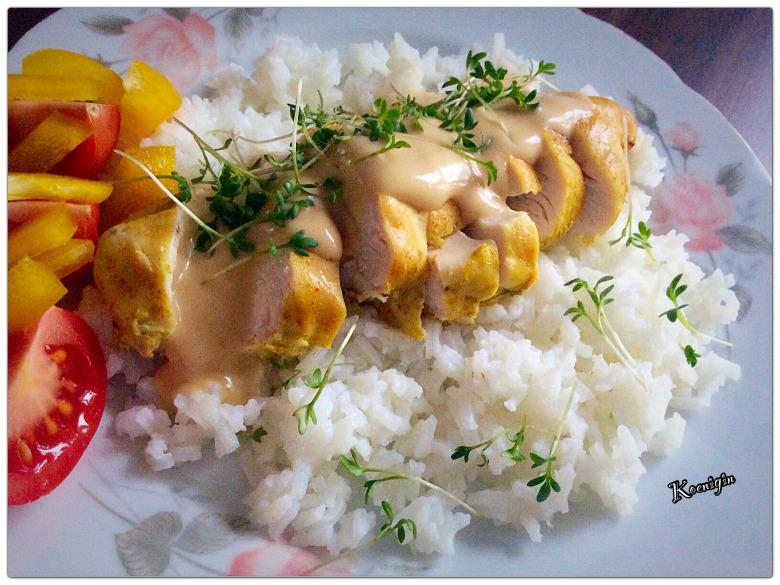 Запечена куряча грудинка у вершково-грибному соусі