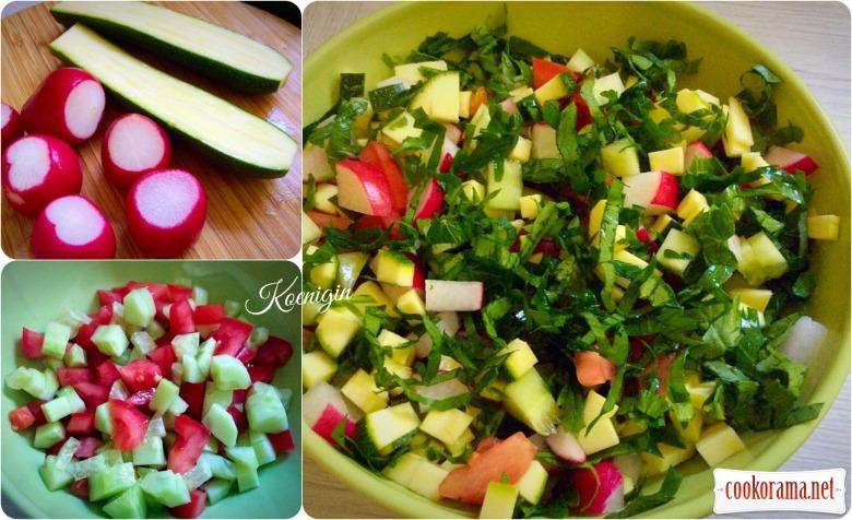 Салат із кисломолочного сиру з овочами
