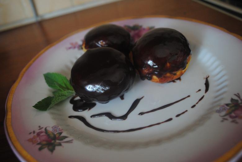 Пончики с шоколадом