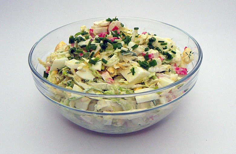 Chinese cabbage salad with corn