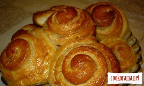 Sweet buns on whey