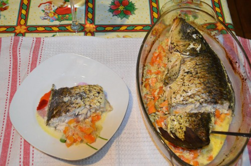 "Carp on vegetable ""pillow"" in sour cream sauce"