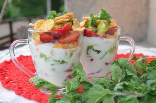Быстрый десерт: киви + клубника