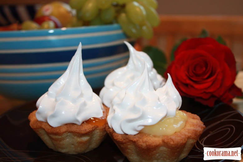Baskets with white custard