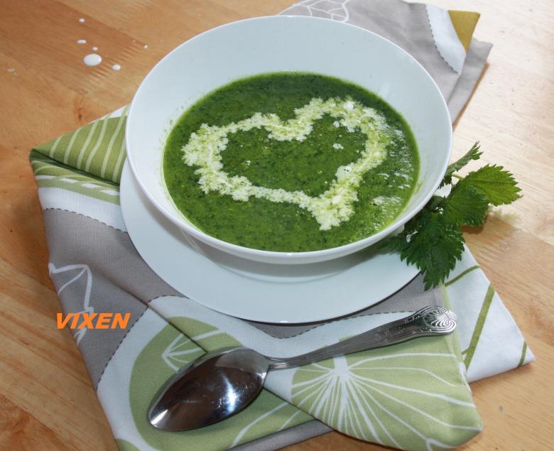 Вітамінний суп з кропиви