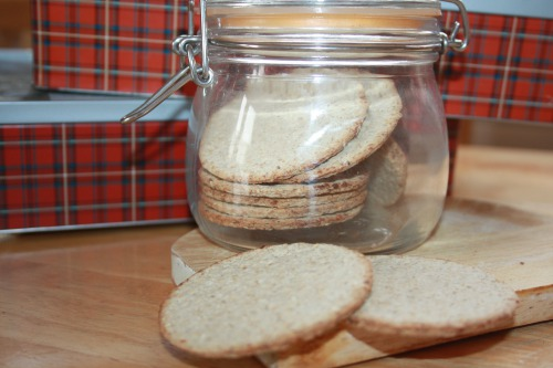 Oatmeal cookies (crackers) with aromatic herbs