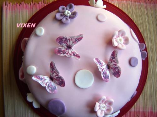 """Торт """"Метелики"""" (шоколадний бісквіт з малиновим мусом, зефіром та білим шоколадним ганашем)"""