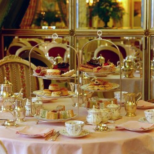 Традиційний 5 o'clock tea . Класика чаювання по - англійськи.