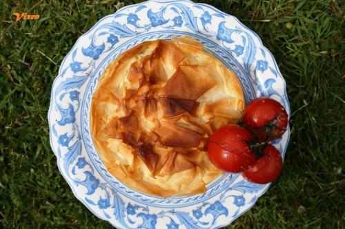 """Грецький пиріг """"Spanakopita"""" з фетою,шпинатом та кедровими горішками"""