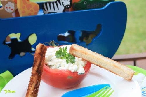"""""""Човники """" з помідорів або змагання з греблі на вашій кухні;-)"""