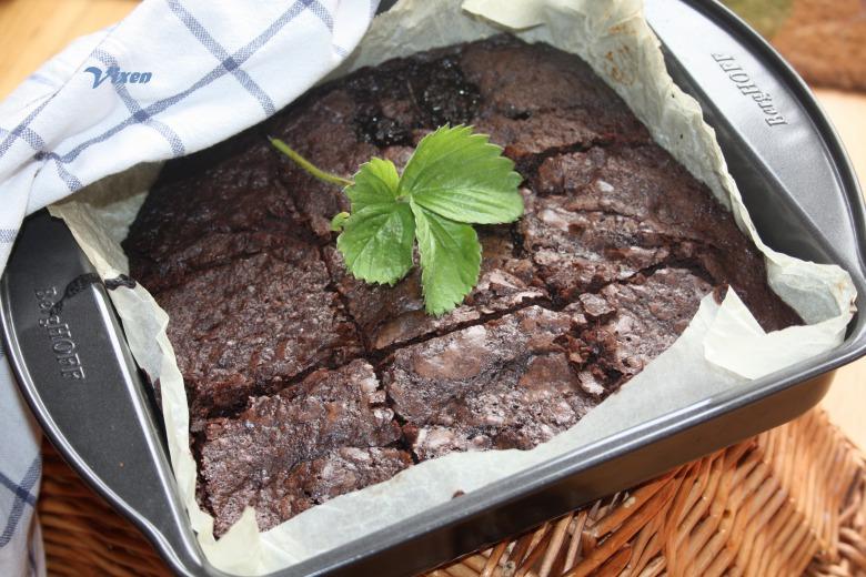 Шоколадные брауни со свеклой, или когда можно сладости на детокс диете;-)