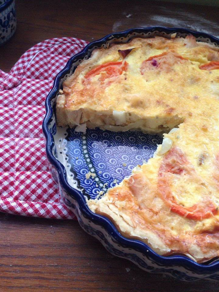 Quiche with chicken and mozzarella