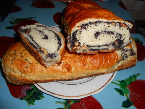 Poppy cake (twisted cake)