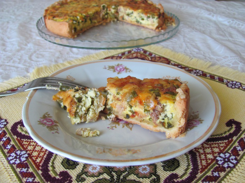 Пиріг з зеленою цибулькою