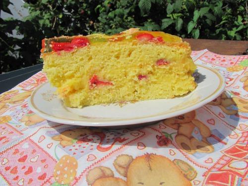 """Торт """"Лимонний бриз"""" з полуницею"""