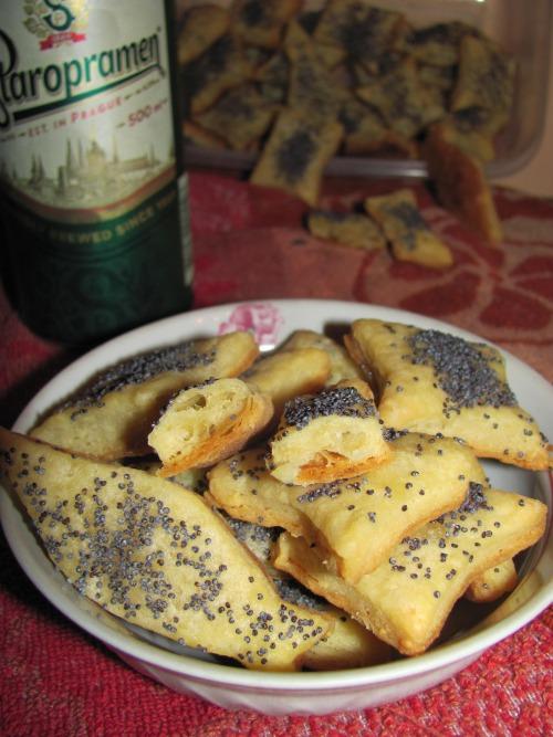 Сирне печиво з маком до пива