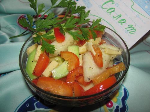 Салат з авокадо та сиром