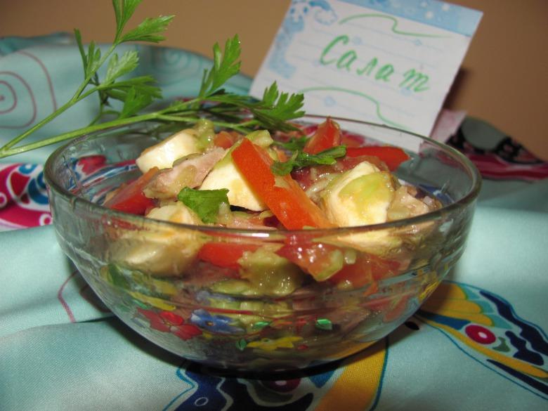 Салат з моцареллою