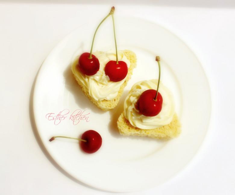 Бисквитно-творожные пирожные «Черешневая радость»